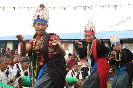 भुजुङ : गुरुङ सभ्यता र संस्कृतिको रमाइलो गाउँ
